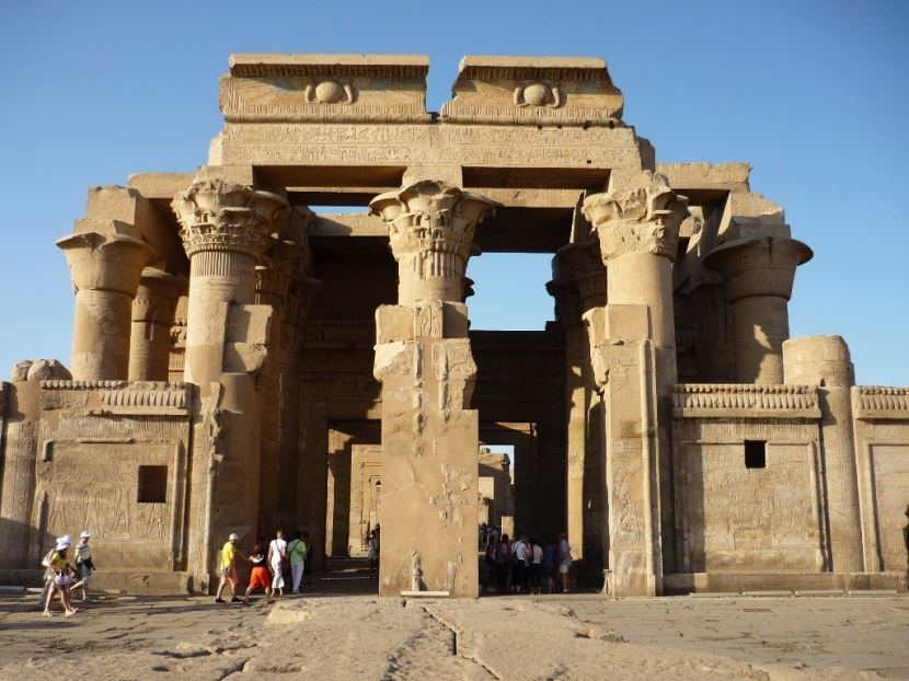 Day Tour from Luxor to Edfu and Kom Ombo Tempel