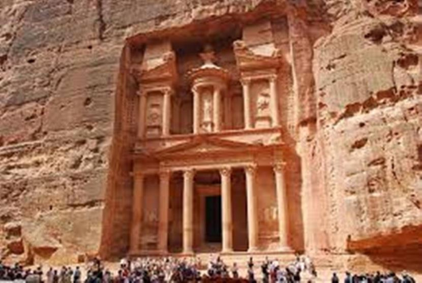 Tour to Petra by boat and bus from sharm el sheikh